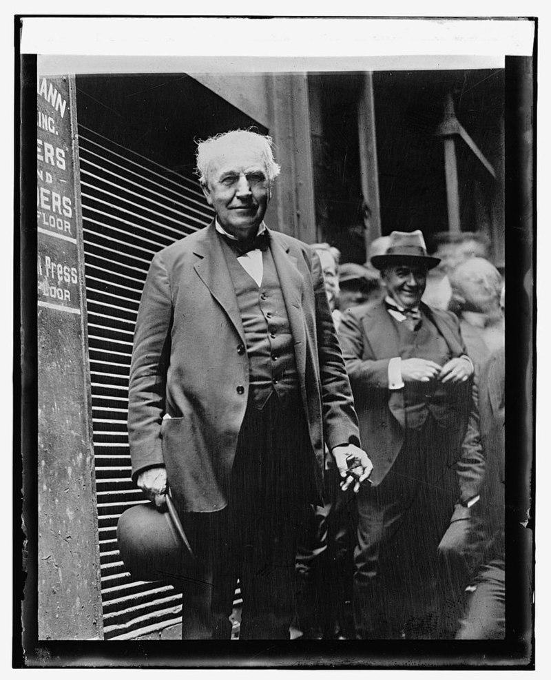800px-Thomas_Edison_LCCN2016840612