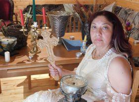 Celebra clarvăzătoare Ioana Sidonia rezolvă problemele amoroase